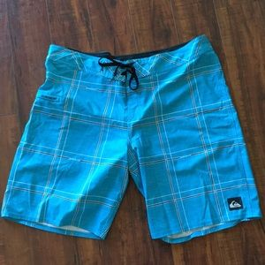 Quicksilver Swim shorts men's size 40